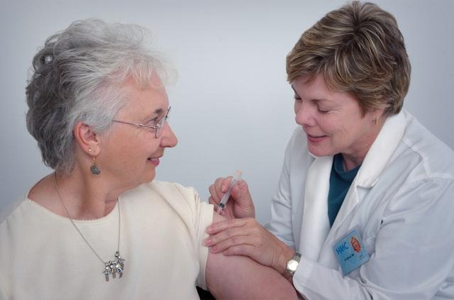 Moderna aşısı ve yaşlılar