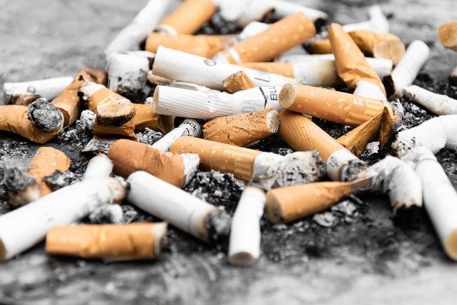Amerikalı gençlerde tütün ve esrar.