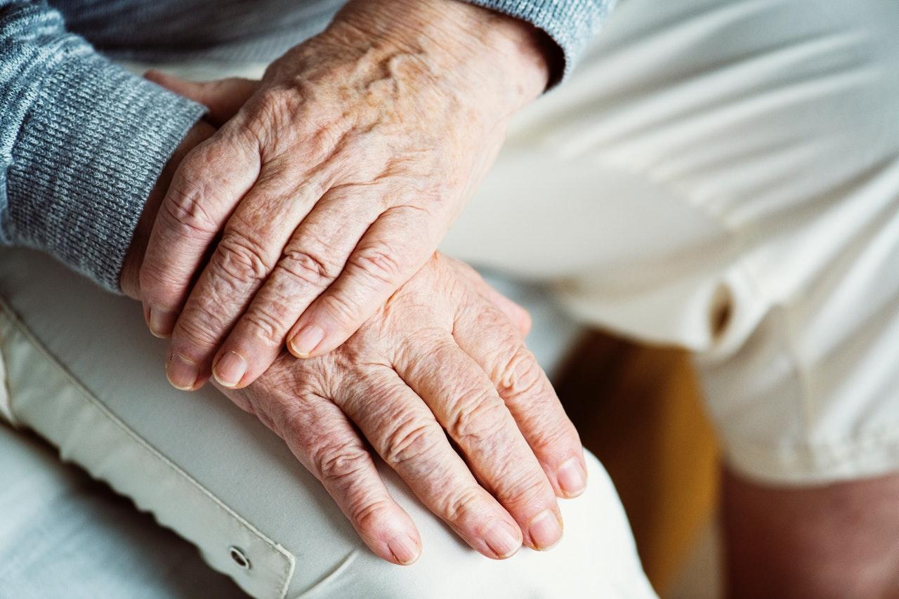 Evli İnsanlarda Yaşlılıkta Bunama Daha Az Görülüyor