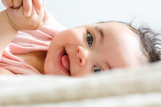 Bebeğin Alerjisi Olacak mı? İlk Kaka Anlatabilir