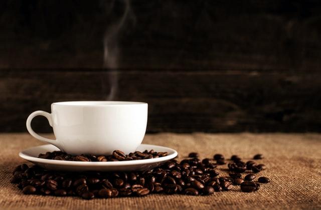 Kahve ve yeşil çay